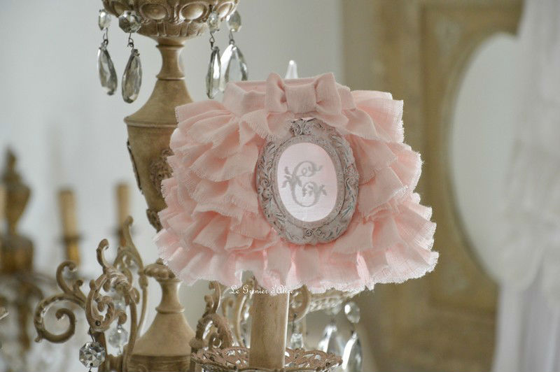 Abat jour shabby chic lampshade abat jour romantique lustre applique pyramide carré lin rose poudré lin stone washed lin lavé froissé monogramme broderie machine ornement patiné rose