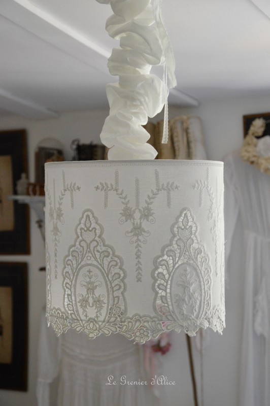 abat jour suspension coton broderie shabby chic et romantique boutique. Black Bedroom Furniture Sets. Home Design Ideas